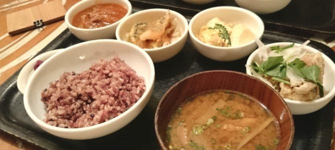 「時を越えて、飯を愛せるか」- 和カフェ chano-ma なんば デリランチ
