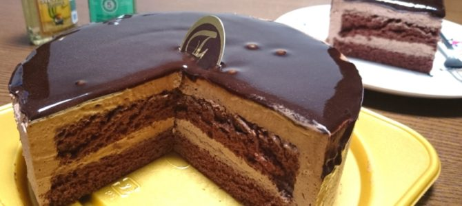 「カカオ豆の甘い誘惑」- 不二家 本格生チョコケーキ