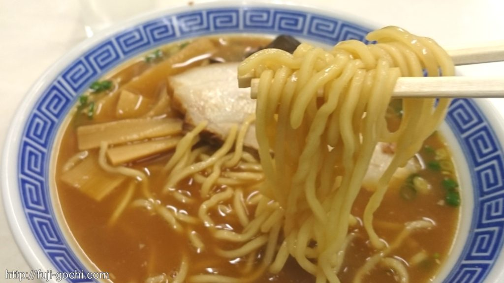 ぱつぱつの麺
