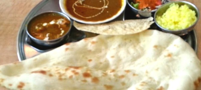 「どうして日本のナンが涙の形をしてるか知ってるかい?」- インド料理屋アリサ Bセット